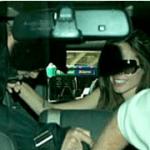 ブラピ&アンジーが車の中でイチャイチャ