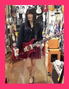 山本彩ギターメーカー